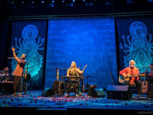 Deva Premal & Miten mit Manose in der Samsung Hall Zürich